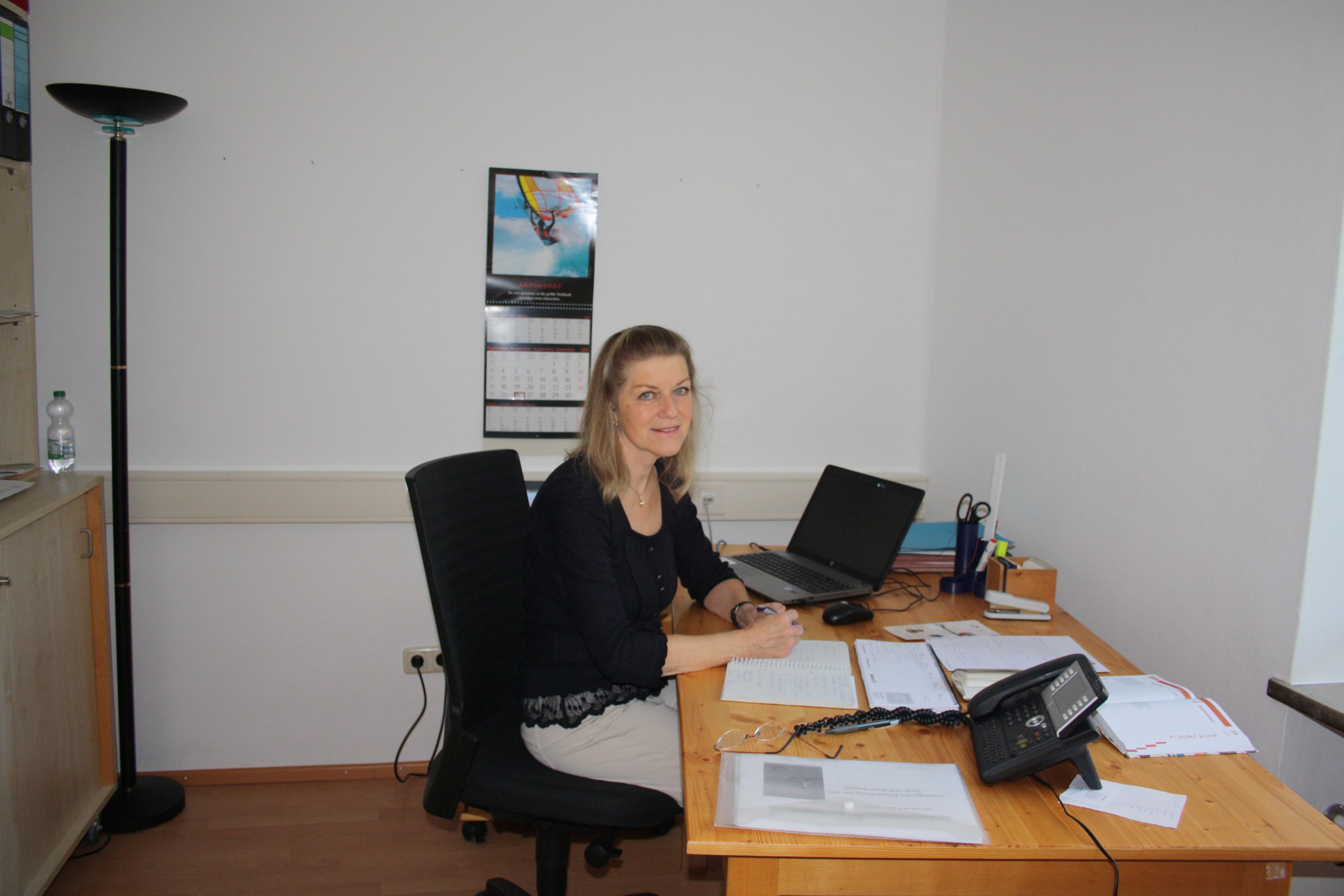 Dr. Sylvia Huber leitet den Integrationsfachdienst der Diakonie Augsburg seit dem 1. September 2017.
